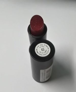 Elle 18 lipstick ( Red Wave)